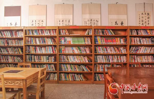"""【兰大新闻学子重走西北角】榆中高墩营农家书屋:充满温暖与希望的""""小家"""""""