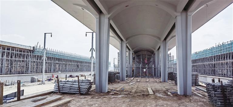 中兰客专甘肃段新区南站预计9月底主体全面封顶
