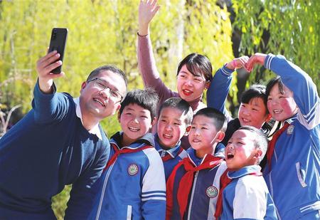 培育教师队伍高质量发展新生态——甘肃省教师队伍建设发展侧记