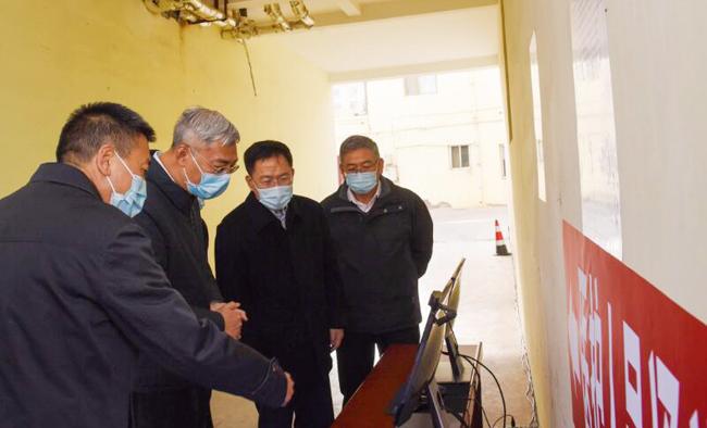 尹弘在嘉峪关市调研指导疫情防控工作