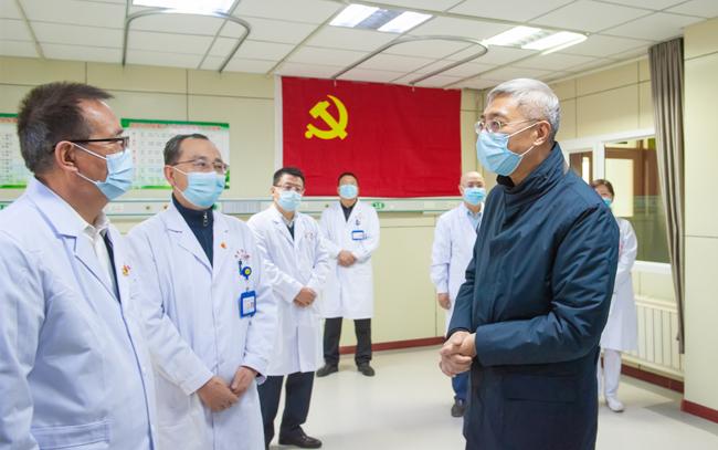 尹弘在嘉峪关酒泉张掖调研检查疫情防控工作